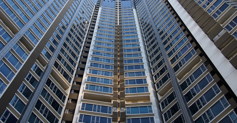 Architectural Photography of Blue And Gray Skyscraper