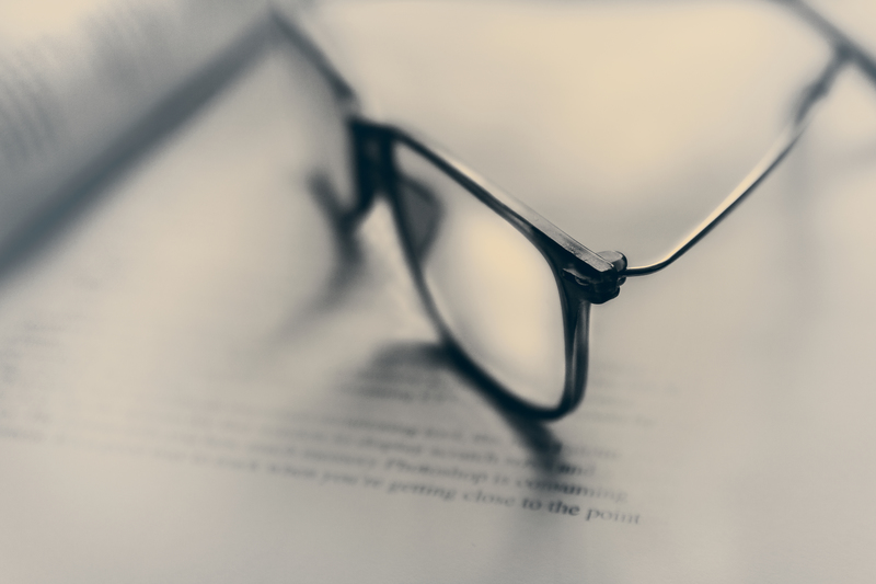 Eyeglasses in Bokeh y