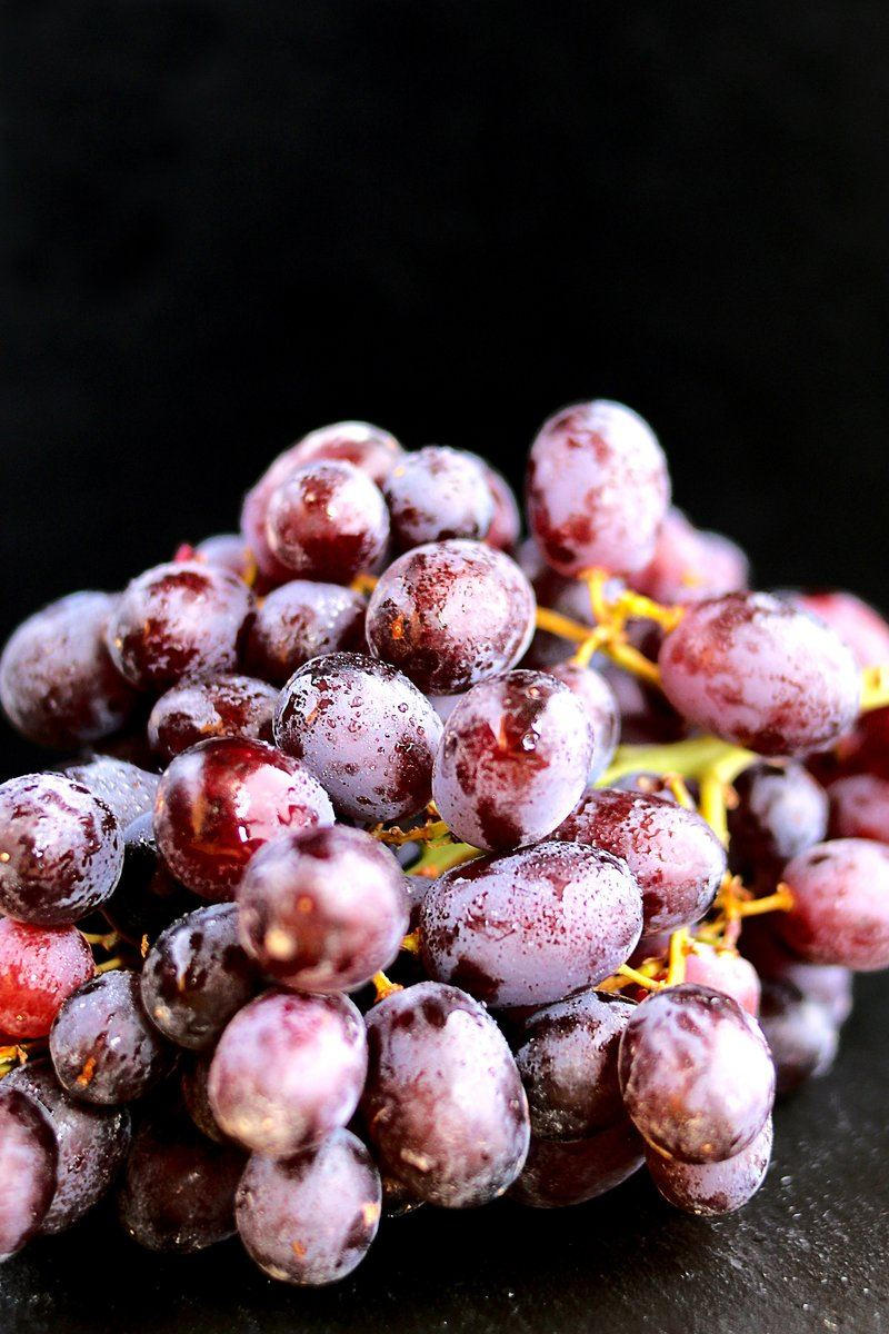 Grapes On Stem With Moisture